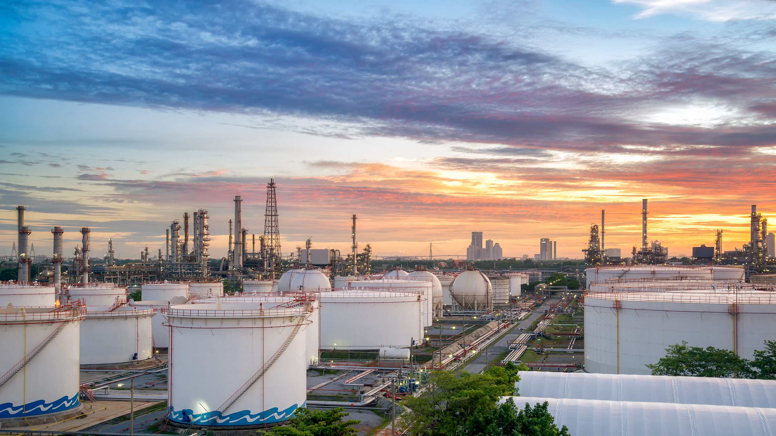 Oil prices seesaw in early Asian trade