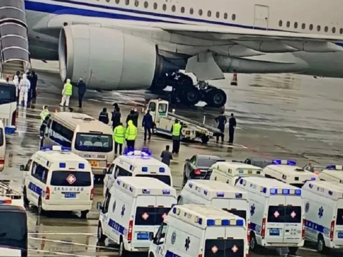 China's airports maintain strict prevention controls during pandemic