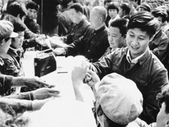 Xi's stories: Pushing forward the 'toilet revolution' from the early years