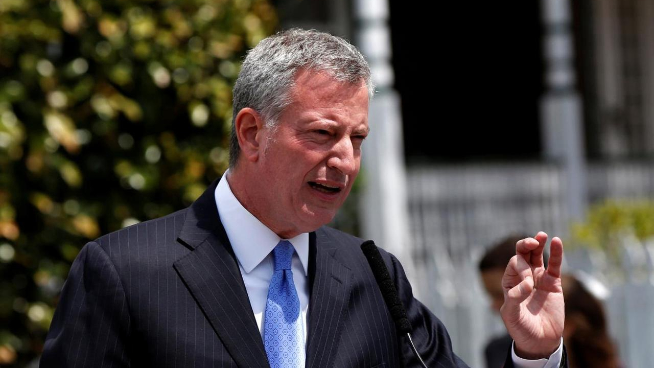 New York bars, restaurants to be take-out only: mayor