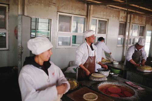 Rumors of 'forced labor' in Xinjiang refuted