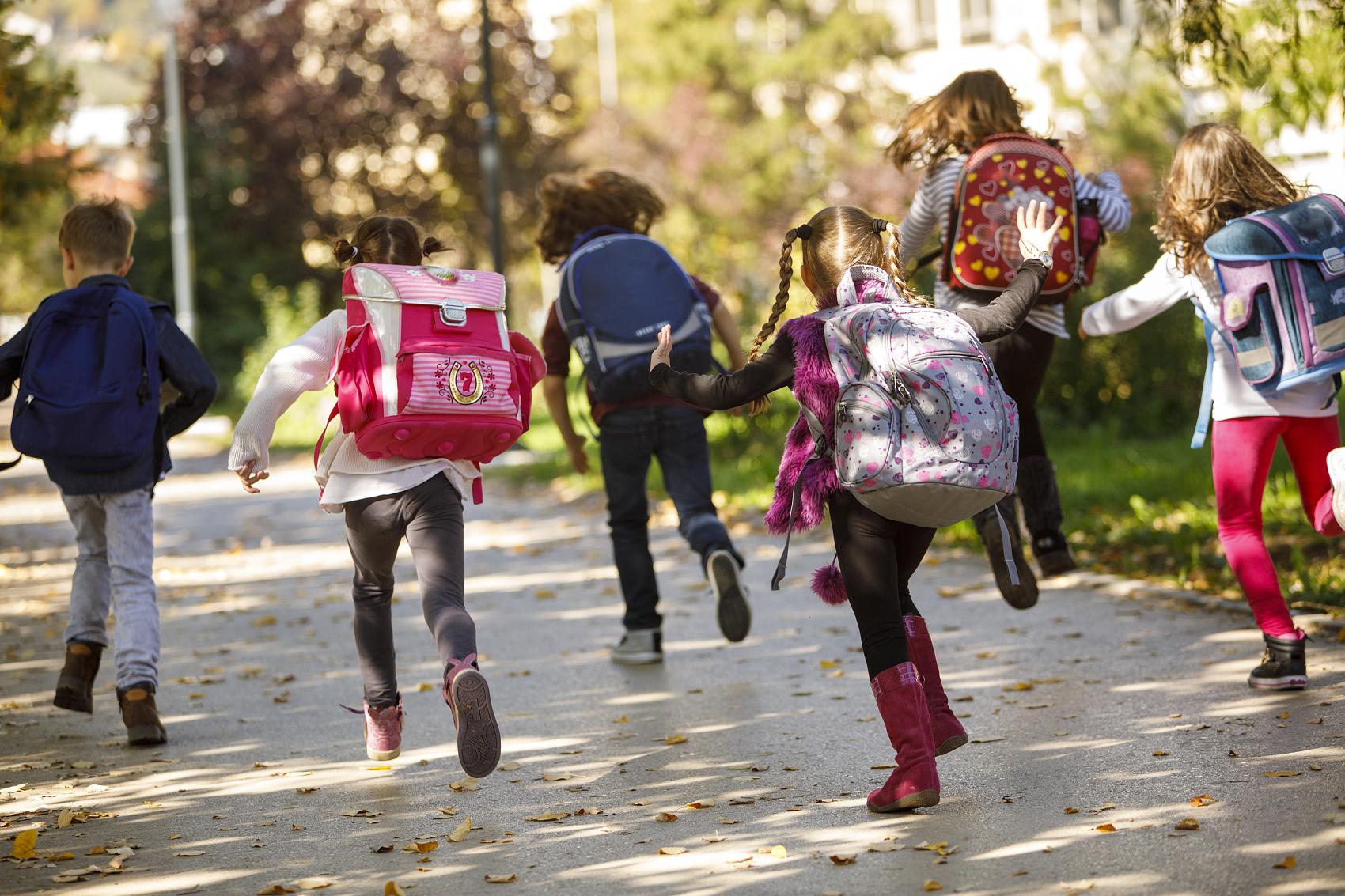 China Focus: Millions of students back to school as coronavirus retreats in China