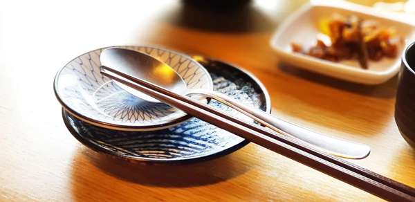 China's first local standard for using public spoons and chopsticks unveiled