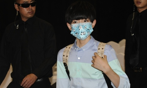 Netizens get creative in promoting Chinese culture overseas through face masks