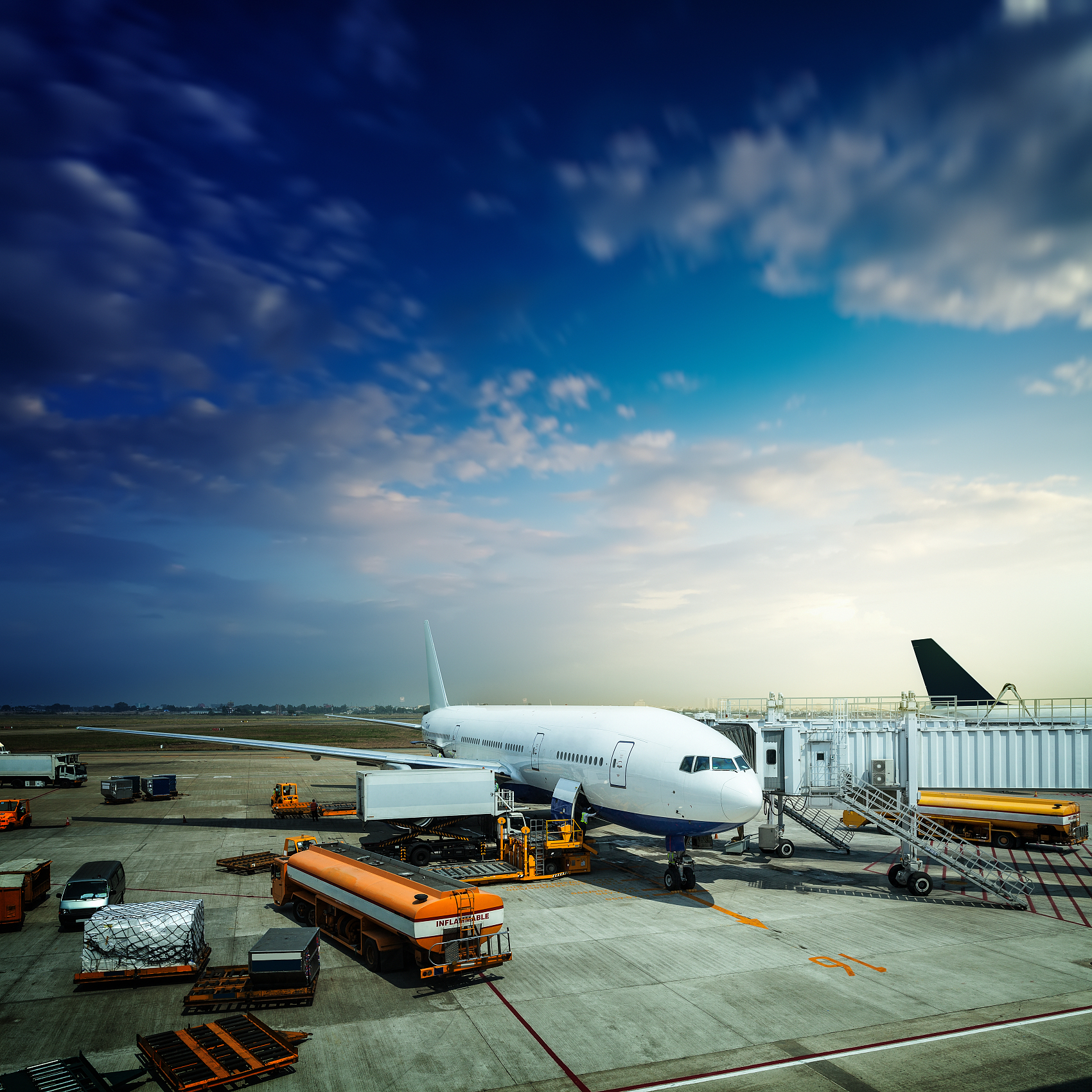 China's aviation sector to strictly prevent COVID-19 import