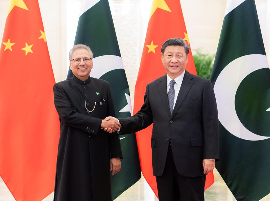 Xi holds talks with Pakistani president to deepen ties amid fight against COVID-19