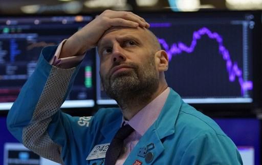 US stocks open sharply lower on worsening economic outlook