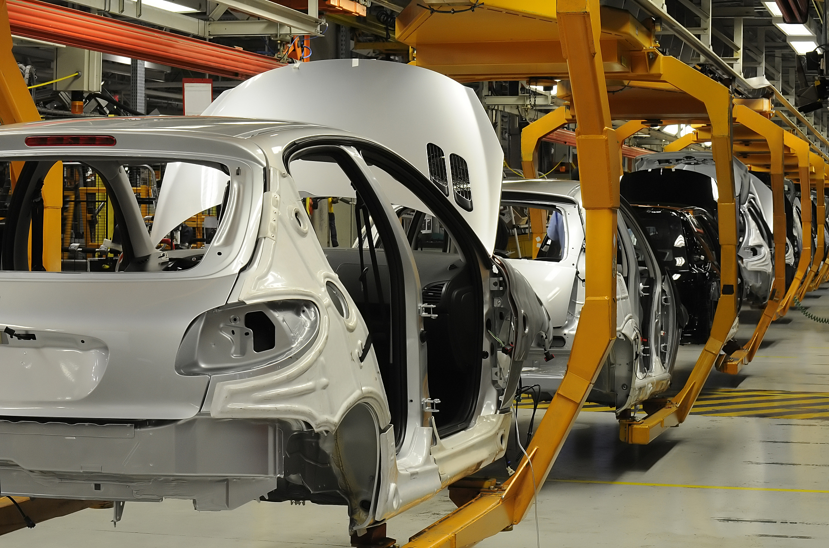 Car plants greenlighted to resume work in Wuhan: official