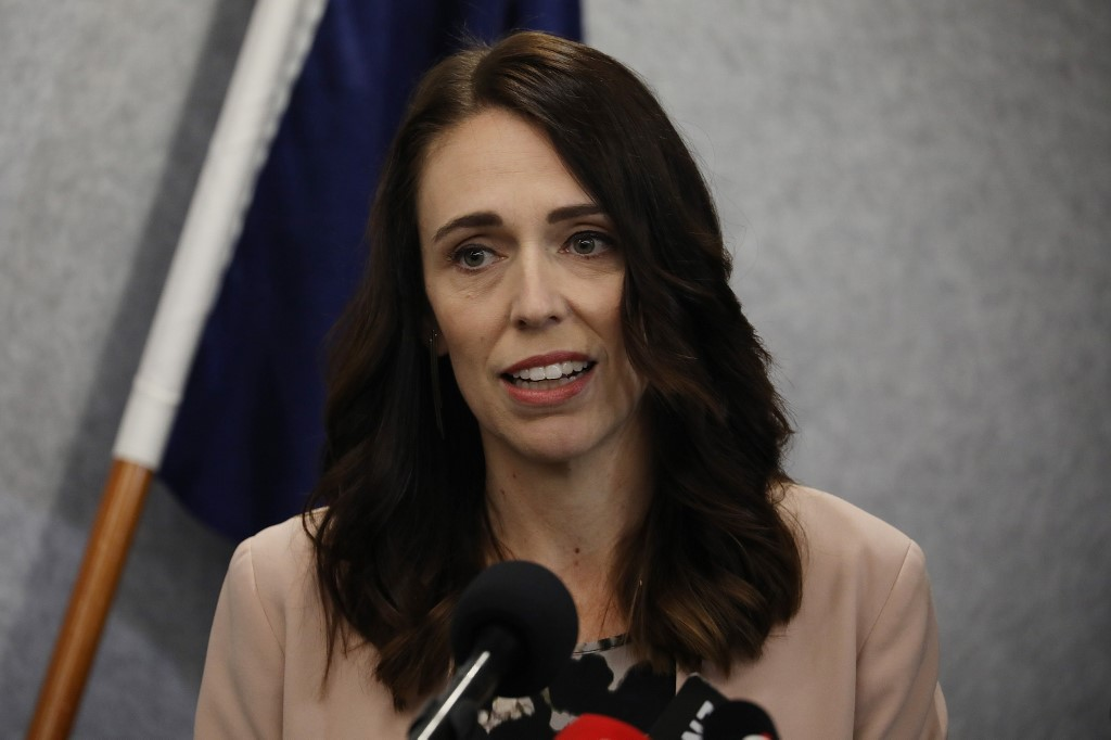 New Zealand shuts border to all foreigners to curb spread of coronavirus