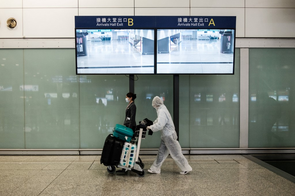 Hong Kong airline companies slash flights due to COVID-19 pandemic