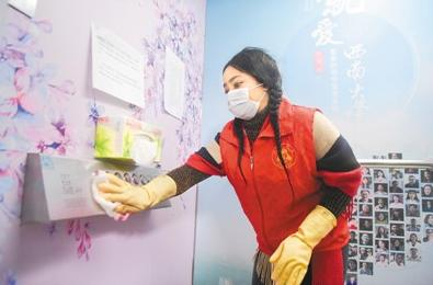 Foreign volunteers join in fight against epidemic in China
