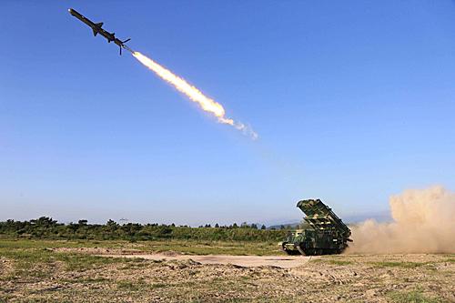 DPRK fires 2 short-range ballistic missiles into East Sea -- Yonhap