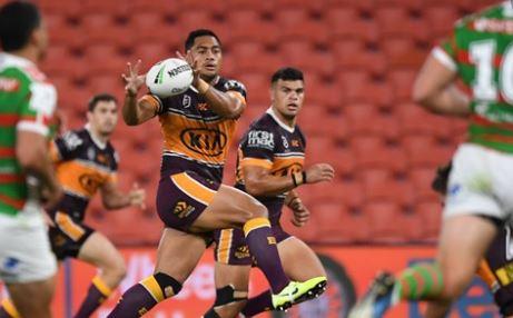 Australian football leagues play on amid outbreak