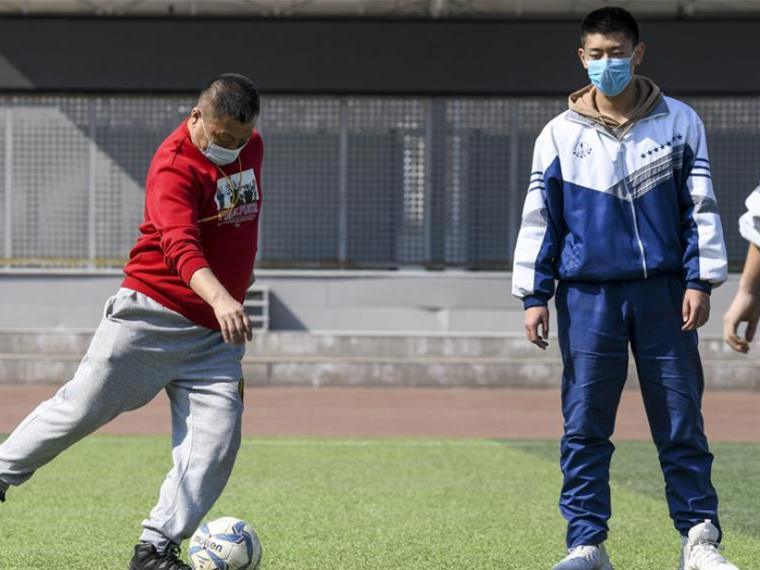 Xinjiang resumes classes for some students