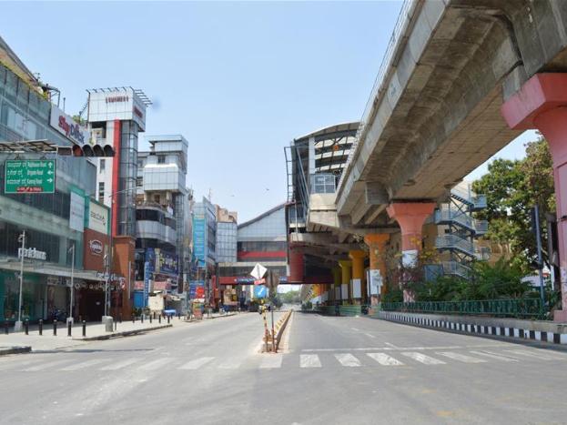 People across India observe public curfew or self-quarantine amid COVID-19 outbreak