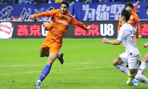 Fellaini becomes first COVID-19 case in CSL