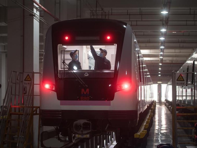Wuhan prepares for restoring operation of public transportation