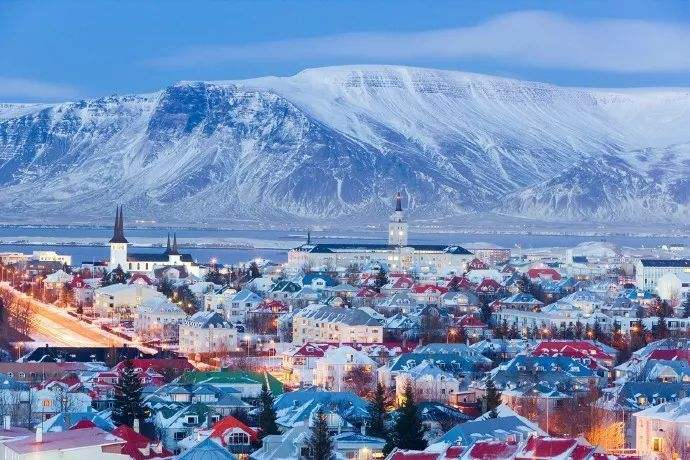 Iceland confirms first death from coronavirus