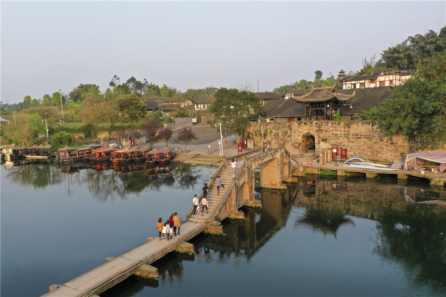 Ancient town in Chongqing reopens for visitors
