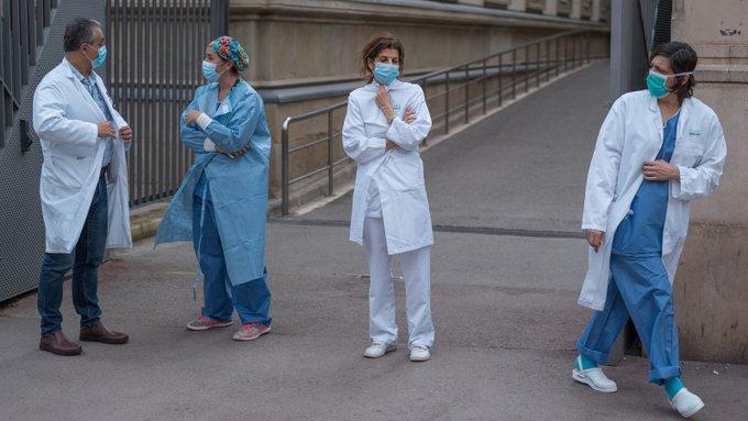 Coronavirus deaths top 1,000 in France