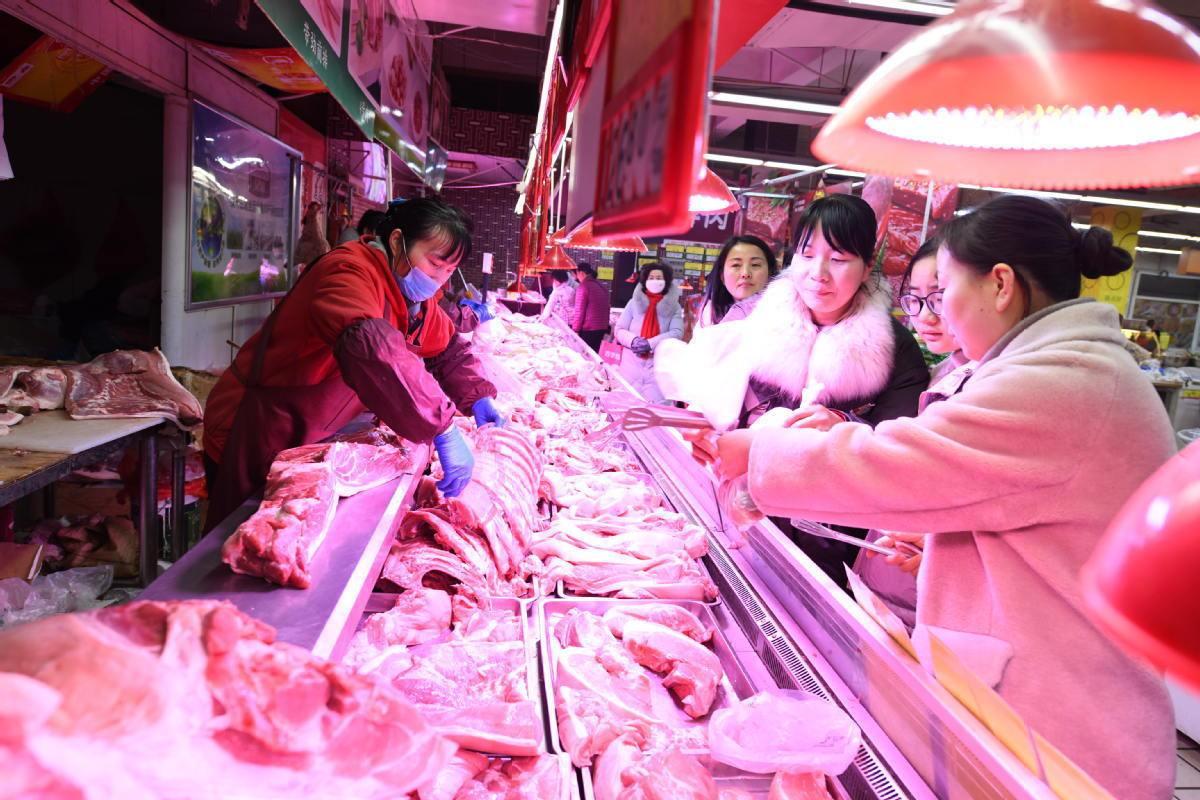 China's pork prices continue to retreat