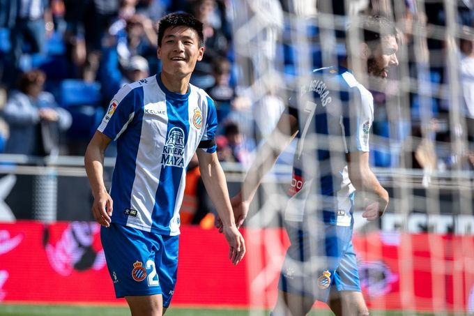 Chinese football star Wu Lei denies re-testing negative for COVID-19