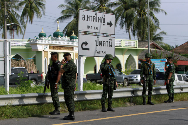 Thai police set up COVID-19 checkpoints nationwide