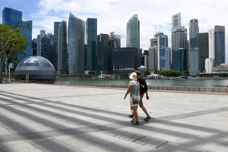 Singapore GDP contracts sharply, in warning for virus-hit global economy