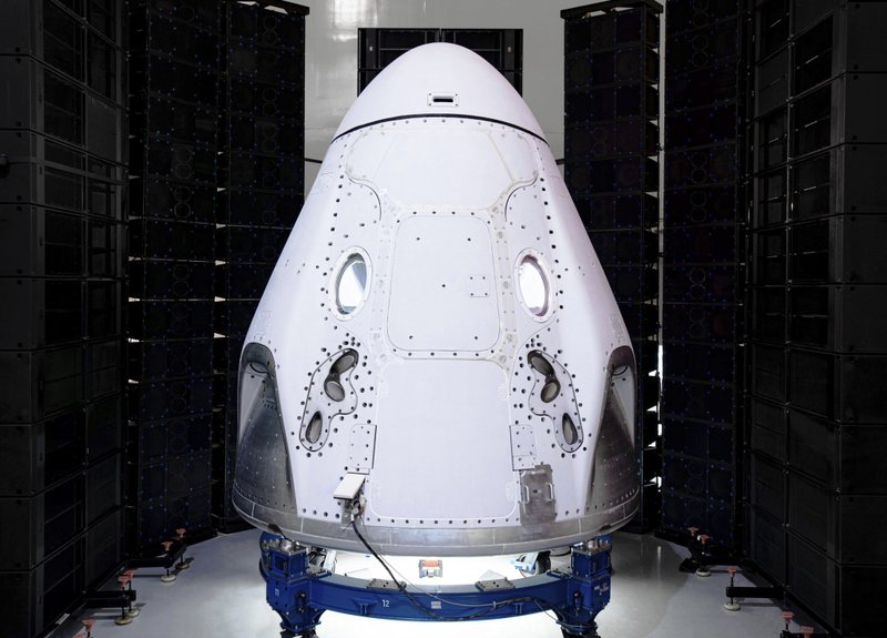 NASA selects SpaceX as initial partner to deliver logistics to lunar Gateway
