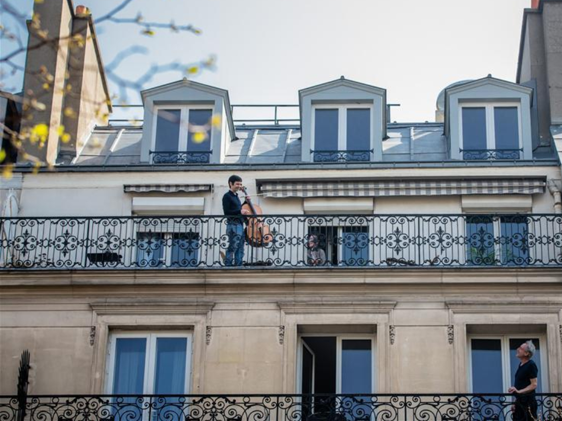 Balcony concert during lockdown in Paris, France