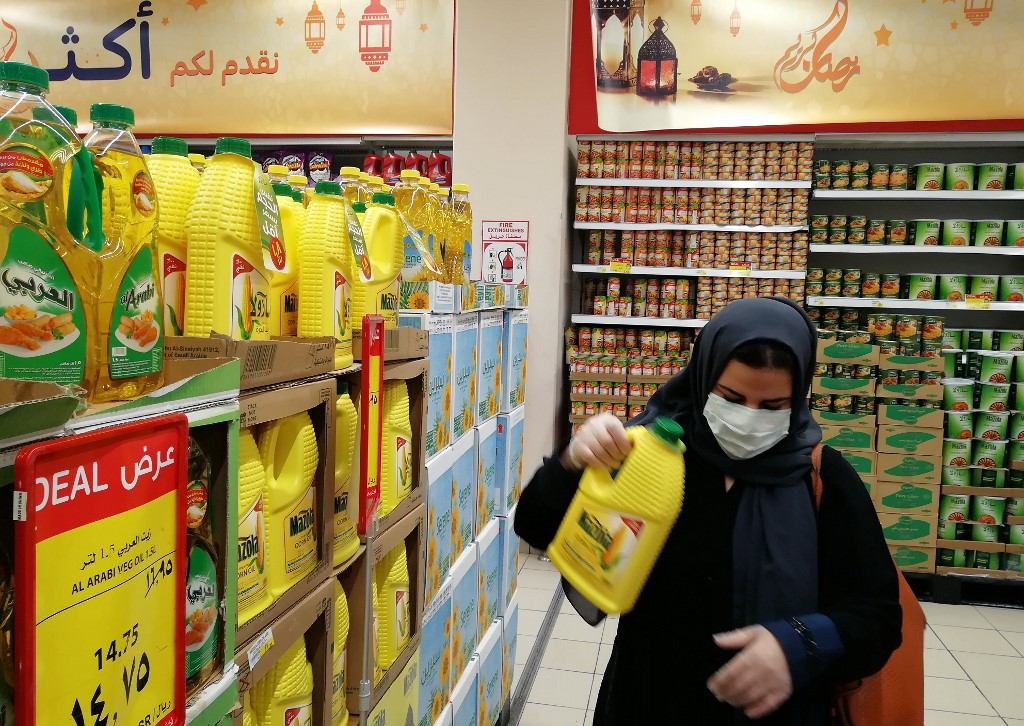 Saudi Arabia reports 1299 COVID-19 confirmed cases; Jeddah lockdown