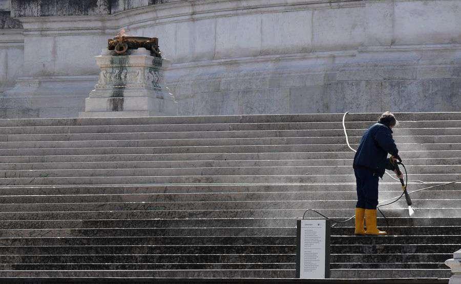 Italy registers 97,689 coronavirus cases, death toll at 10,779