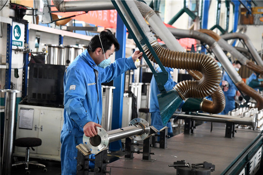 More than 98 pct of China's major industrial firms resume work