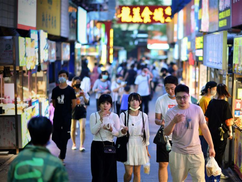 Consumption rebounds amid signs of recovery