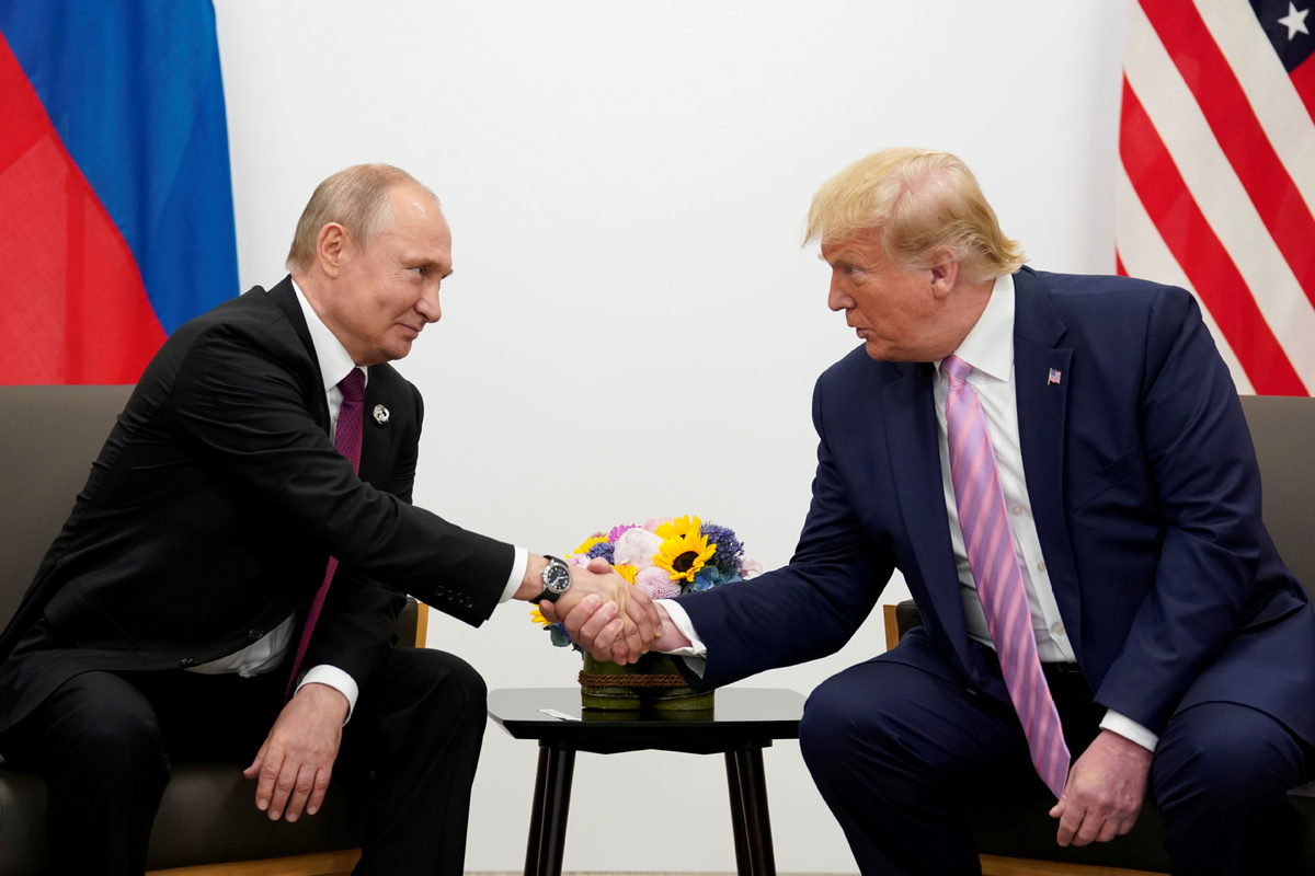 Putin, Trump discuss closer cooperation in fight against COVID-19