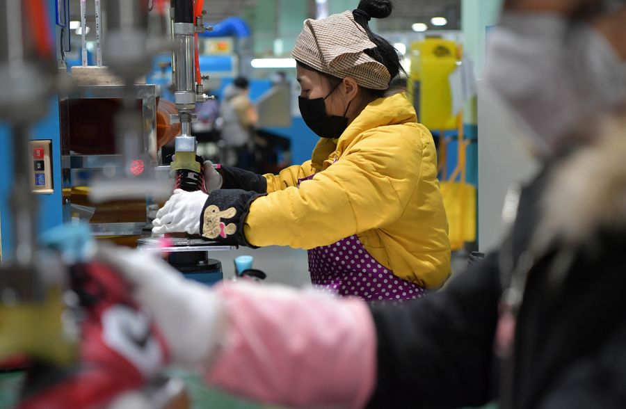 China's manufacturing sector sees V-shaped recovery in March