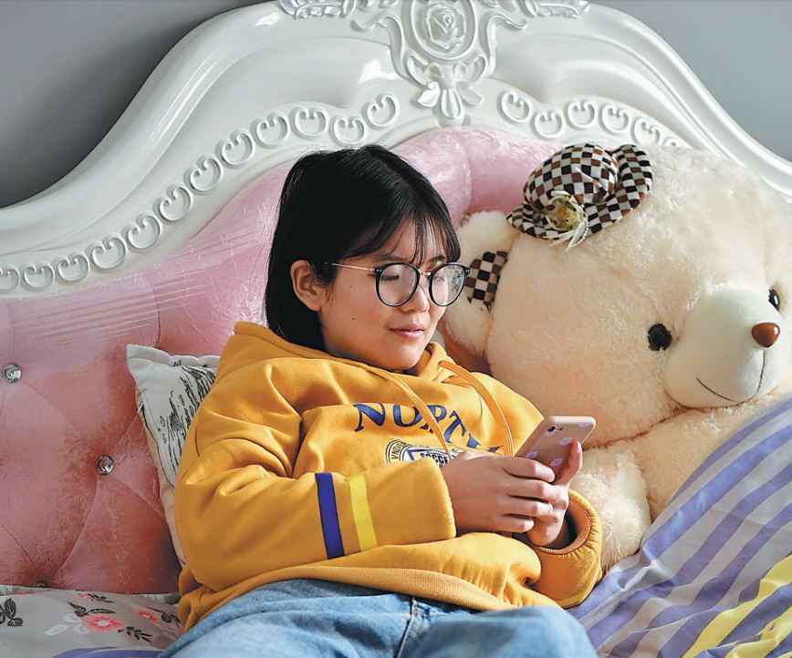 Online videos, digital reading big business amid self-isolation