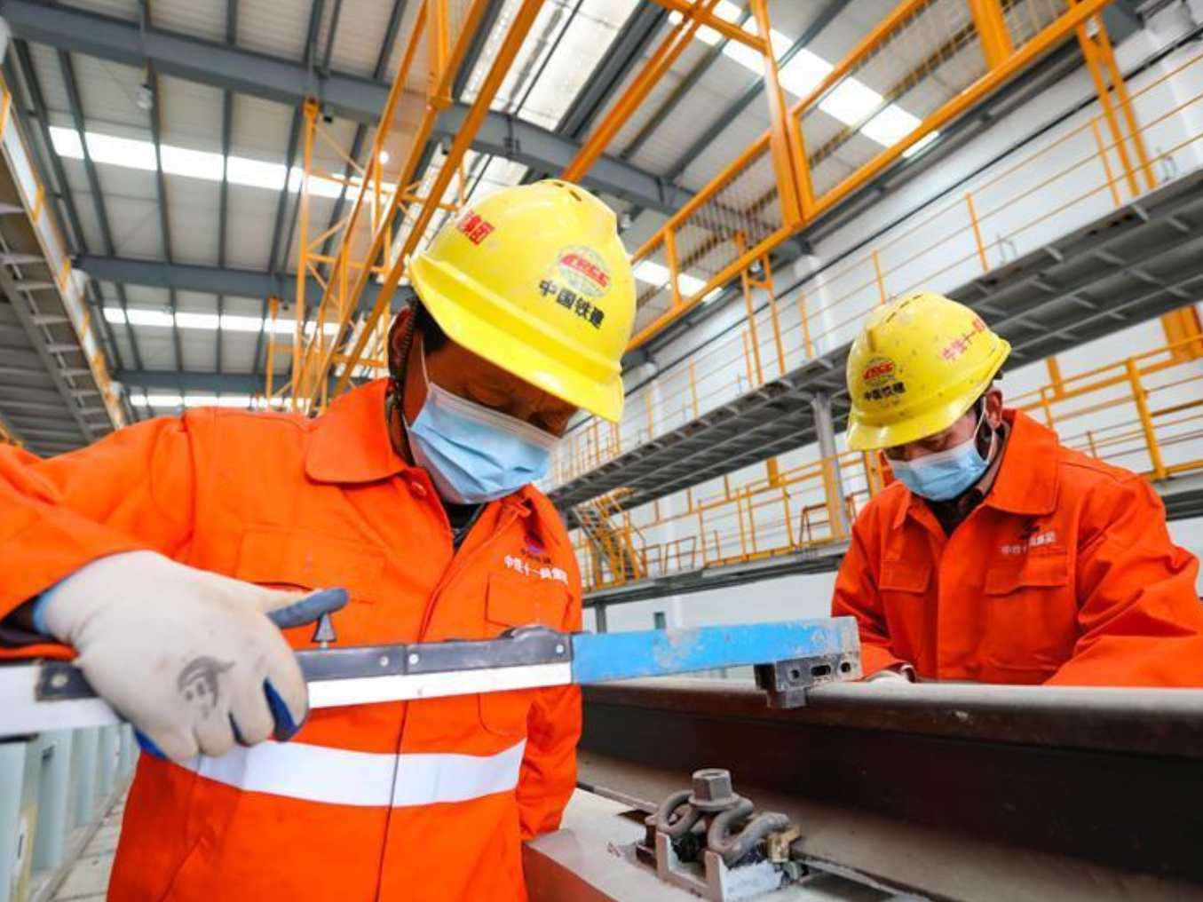 Production resuming, workers returning in Hubei