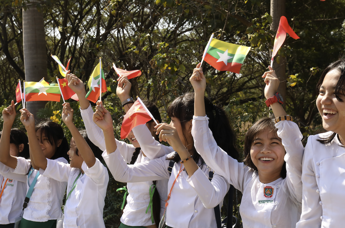 Myanmar students extend welcome to President Xi's visit