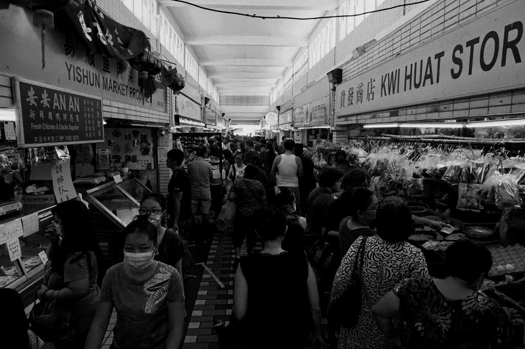 75 new coronavirus cases, one death in Singapore