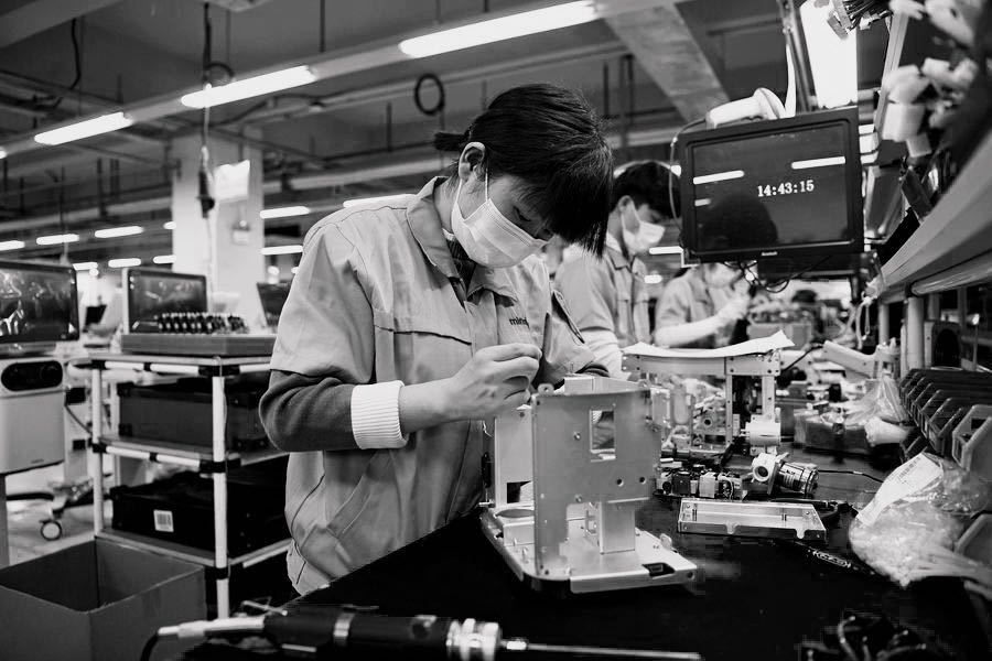 Chinese firms race to supply life-saving ventilators as global demand surges