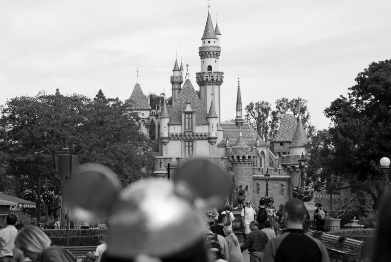 With parks closed, Disney starts furloughs in 2 weeks