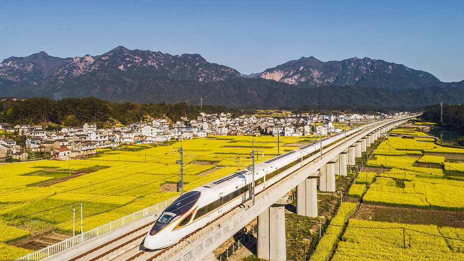 China's railways brace for increased passenger trips during tomb-sweeping holiday
