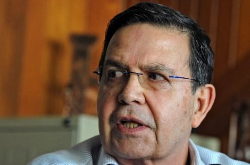 Former Honduras president embroiled in FIFA graft case dies