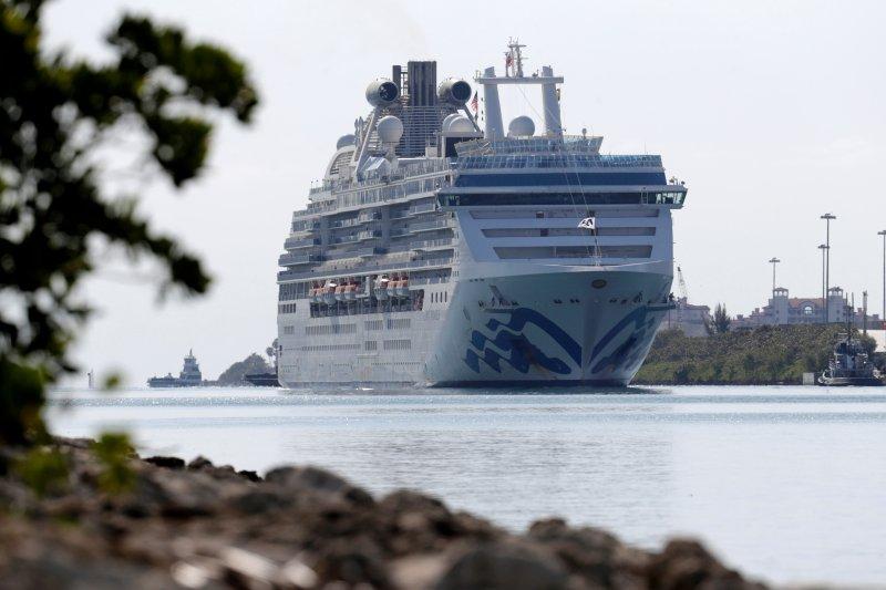 princess-cruise-cruise-docks-miami.jpg