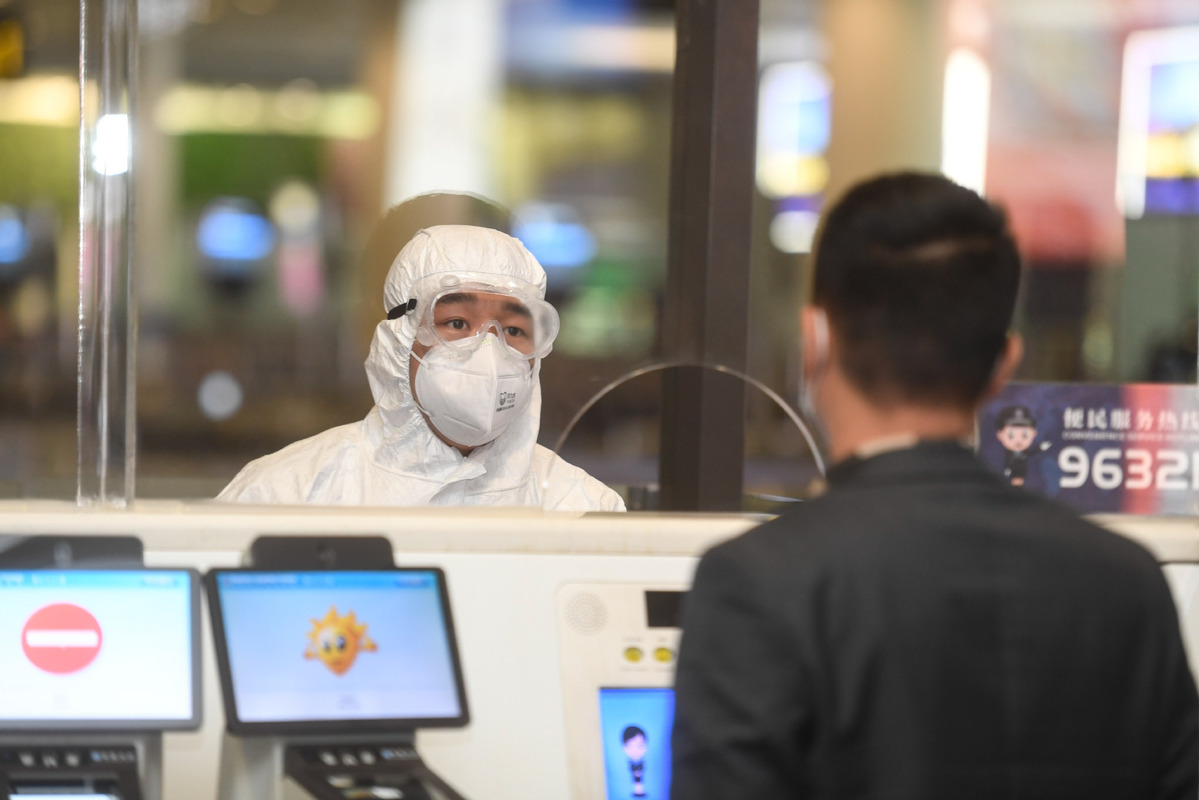 Chinese coming from 26 countries must submit health info to fly