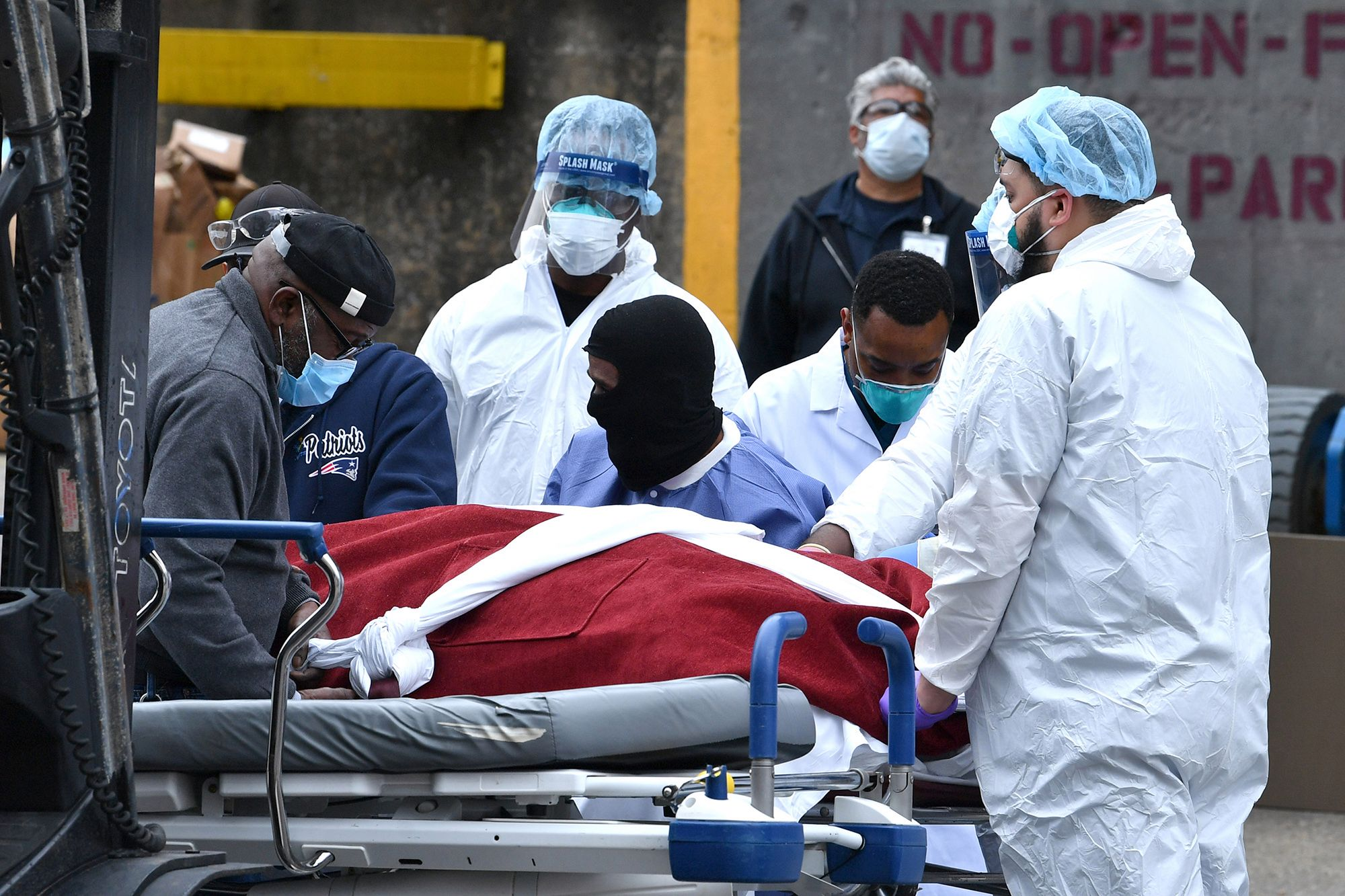 US records 1,150 coronavirus deaths in 24 hours: Johns Hopkins tracker
