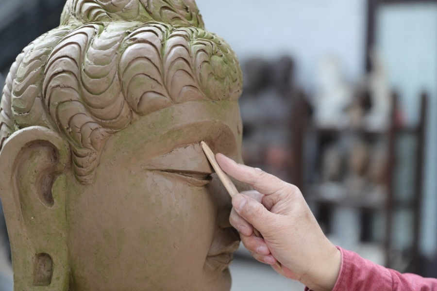 Painted sculpture art in Dunhuang