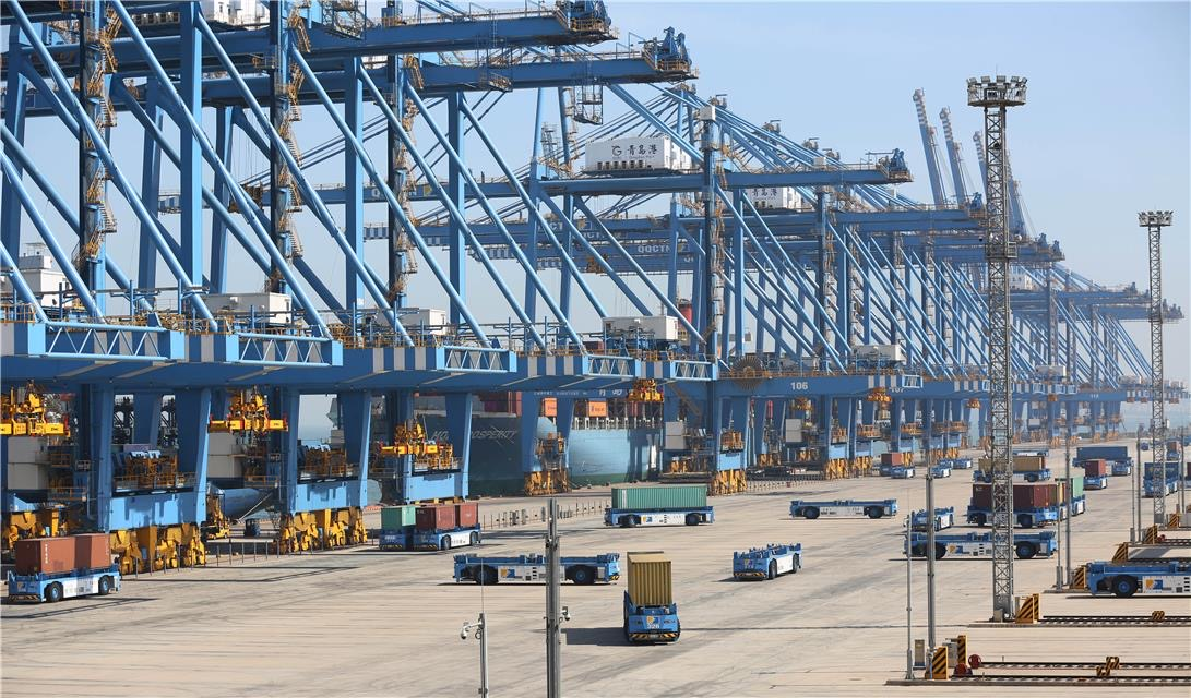 China's ports help sustain supply chain, experts say