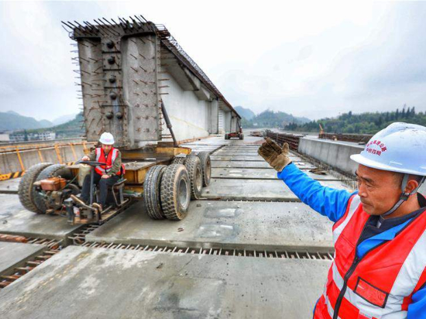 Construction of Dunyun-Anshun expressway resumes in Guizhou